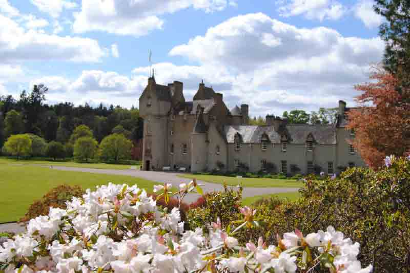 Aberdeen Day Tour Ballindalloch Castle and Glenlivet Distillery